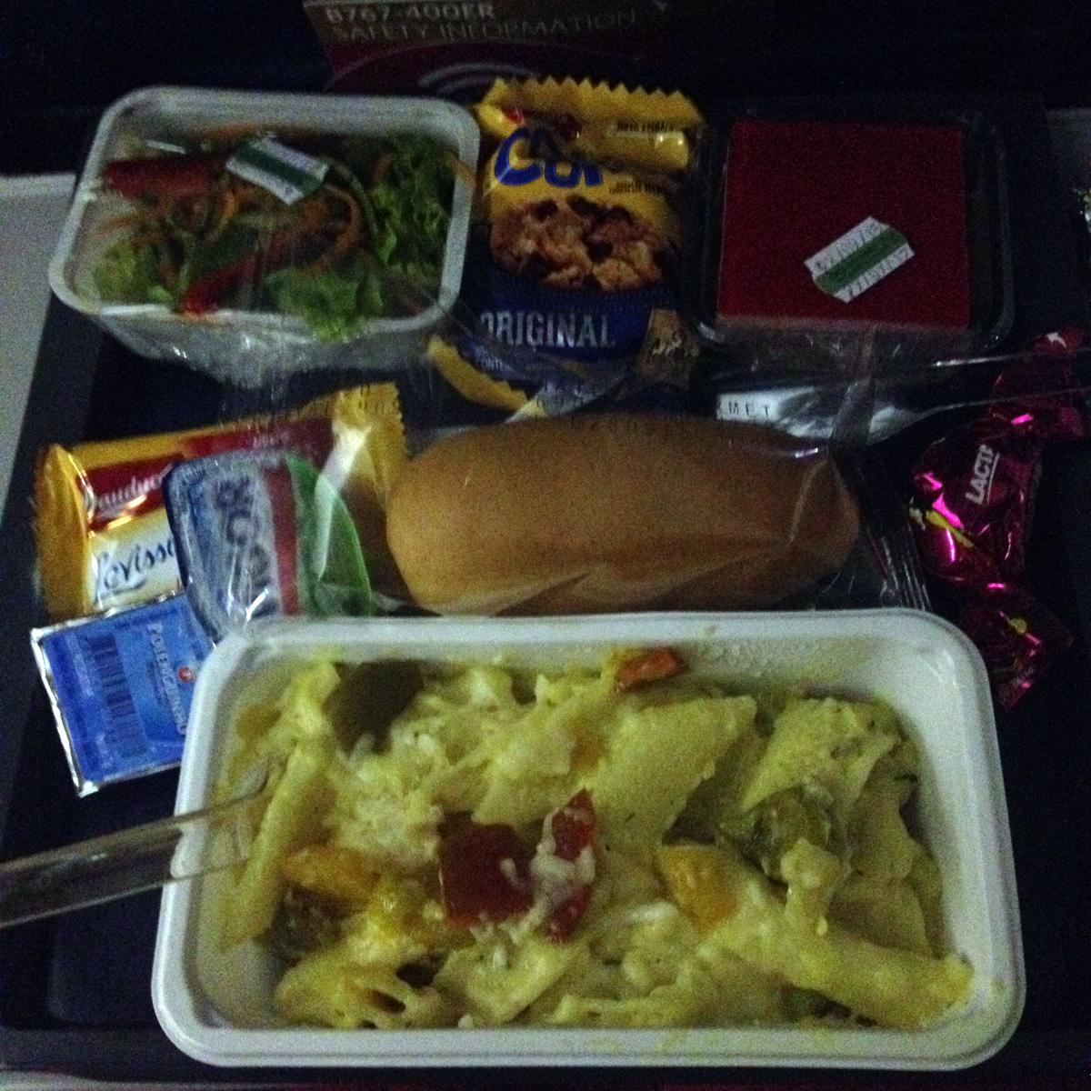 voos_muito_longos-comida-2-eusouatoa